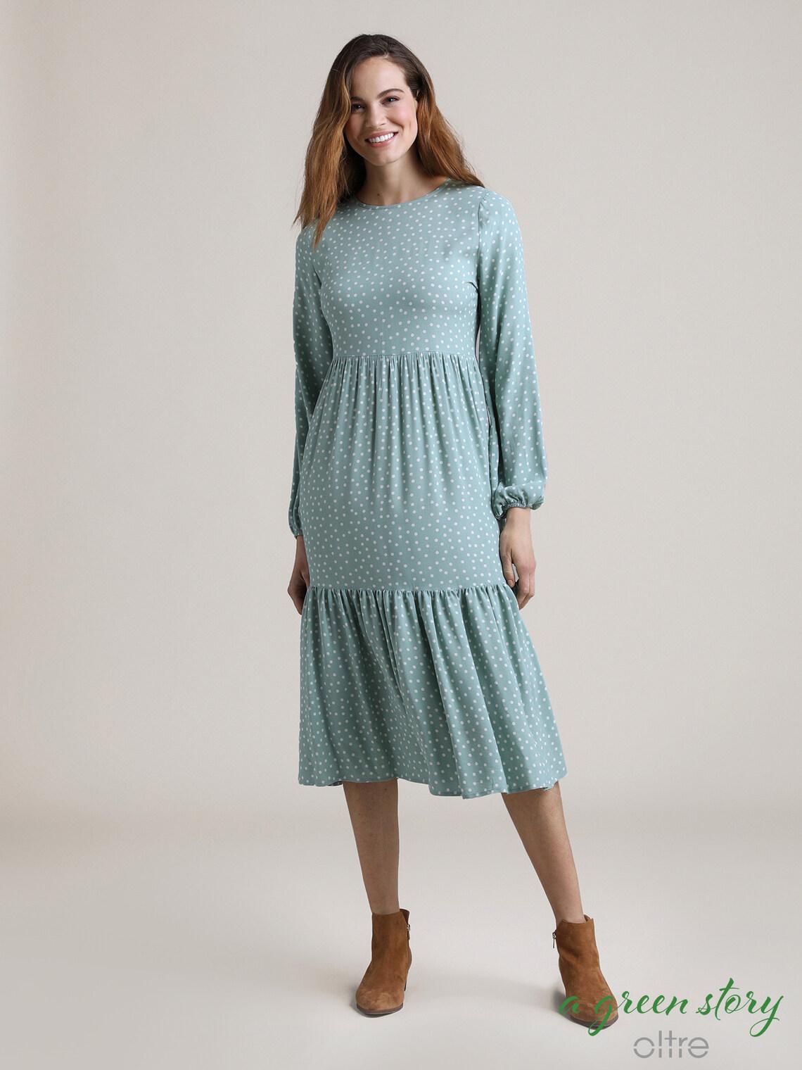 Kleid Mit Langen Armeln Und Punkten At